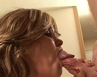 Amateur housewife sucking and fucking