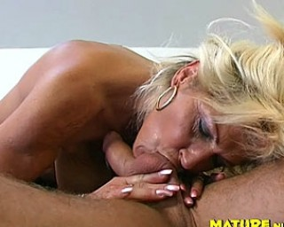 Horny housewife fucking a younger dude