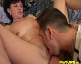 dick worshipping mature slut