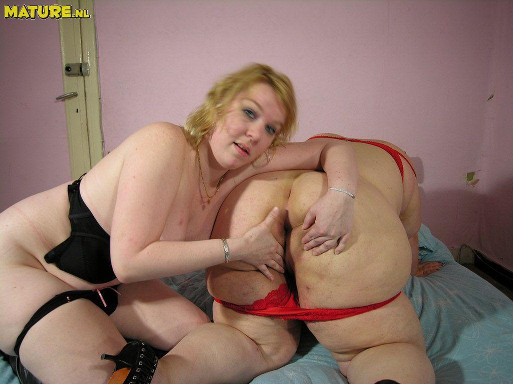 Fat chubby lesbians lick