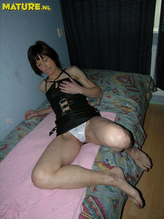 Mature black prostitute