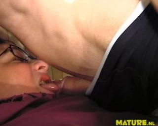 chubby mature slut sucks the cock dry