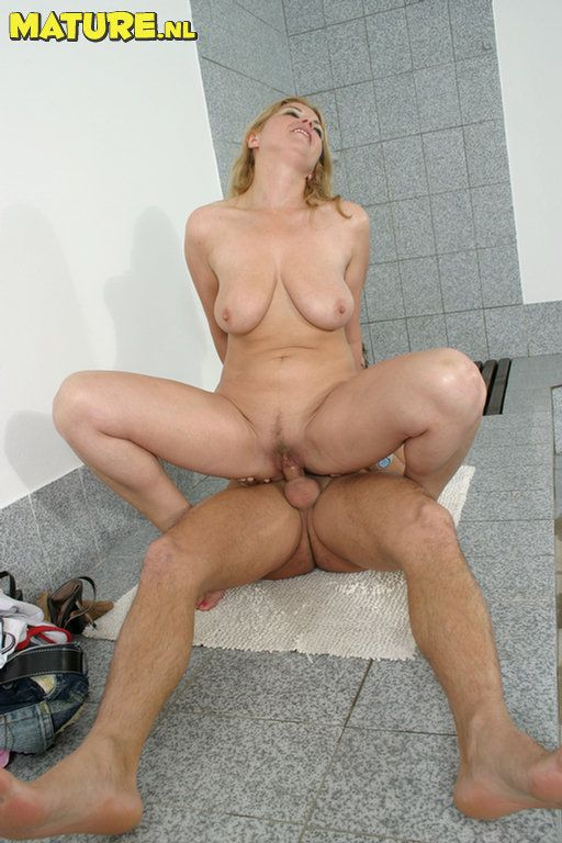 slut fuck Mature blonde