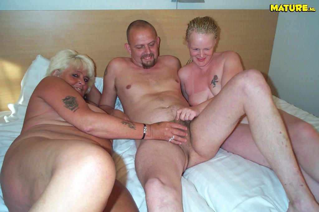 Free porn grannie threesomes