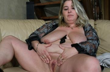 big mama lisbet 40 jahre alt zeigt fotze