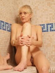 gratis Oma Sexbilder aus der Damensauna