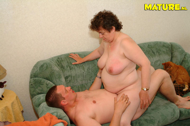 Секс по руский із жирними 1 фотография