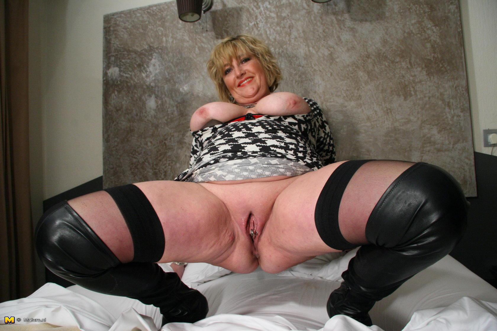 Фото порно пышных зрелых мам 16 фотография