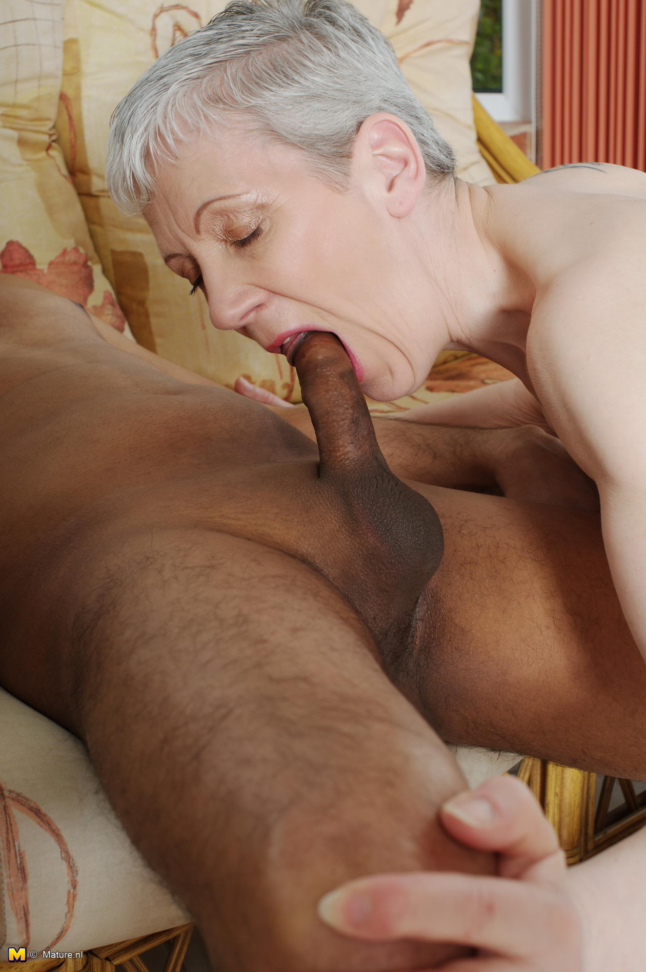 Chubby old mom love big cock