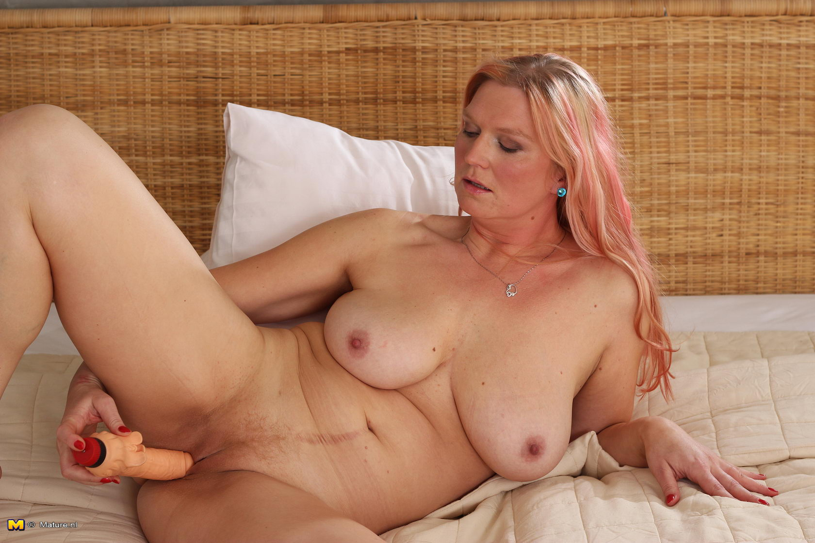 Alex real housewives nude