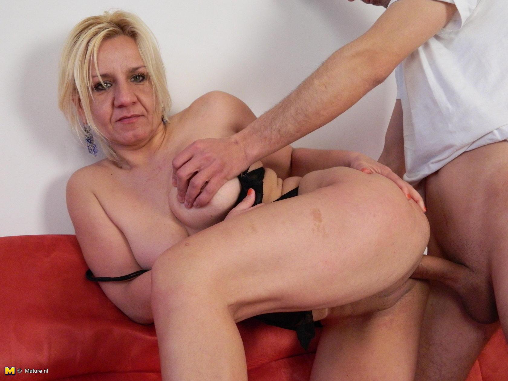 porno-blonde-mature