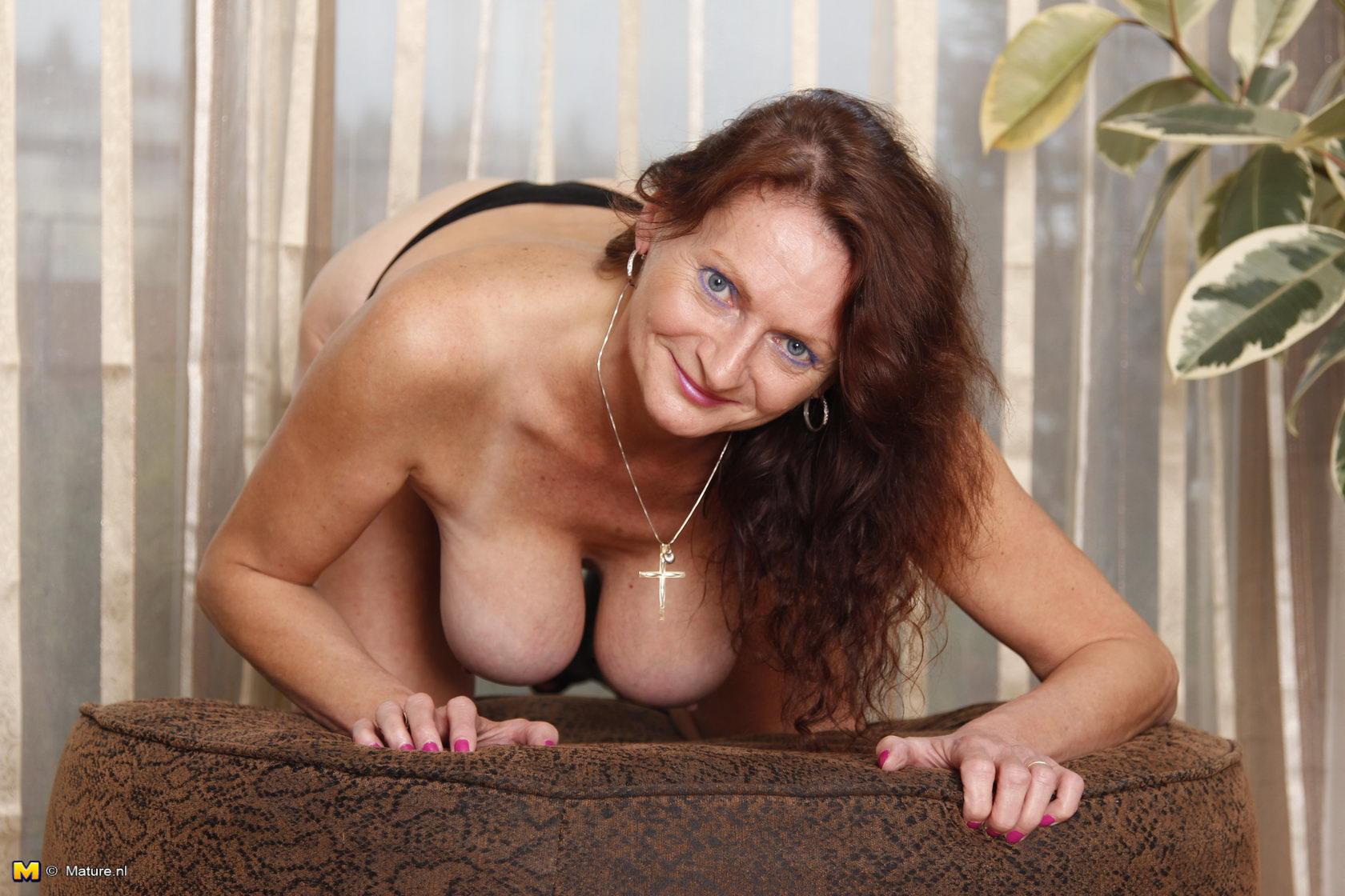Mrs bovina seduced mature gallery #6