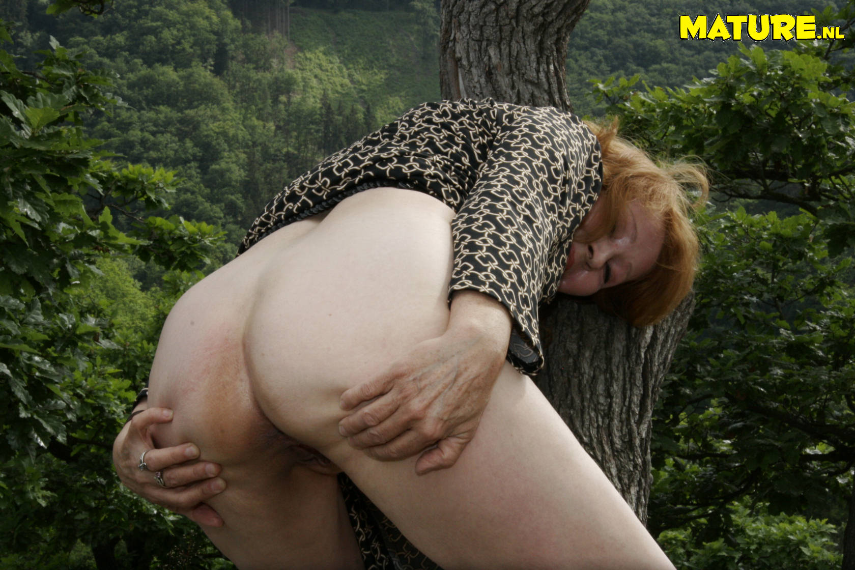 Секспа в лесу безплатно 14 фотография