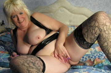 Blonde loves to play with her creamy pussy 3