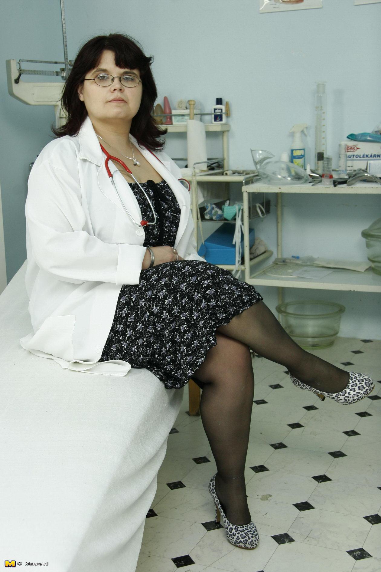 Толстая на приёме у гинеколога 23 фотография