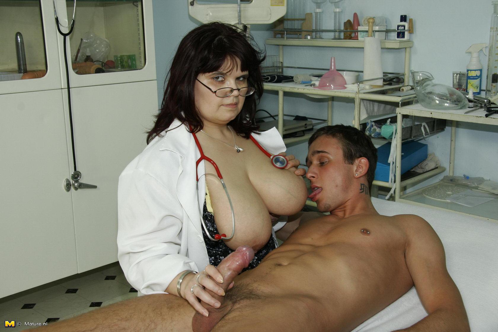 Free mature nurse tit pic