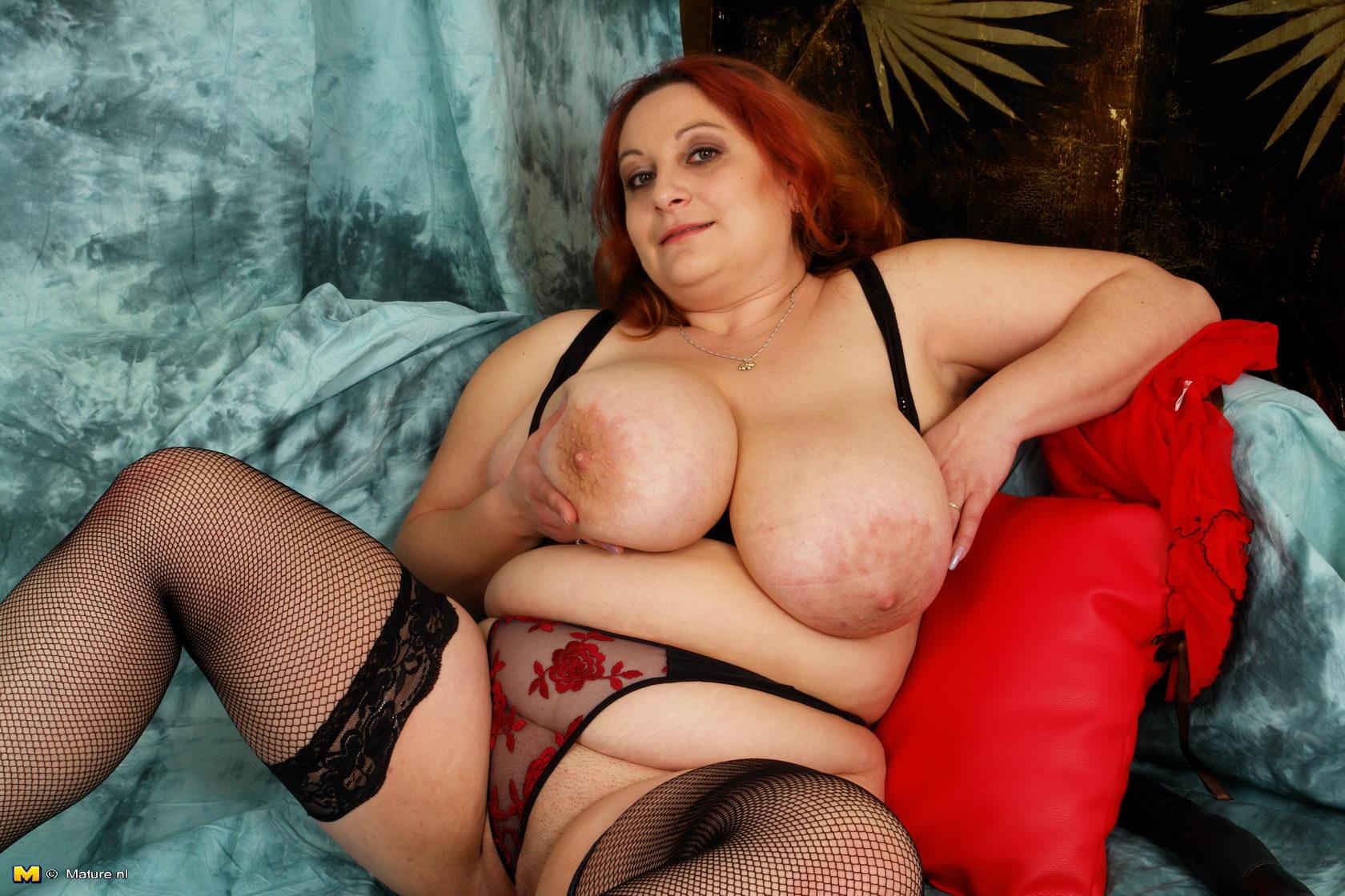 порно старухи с большой грудью