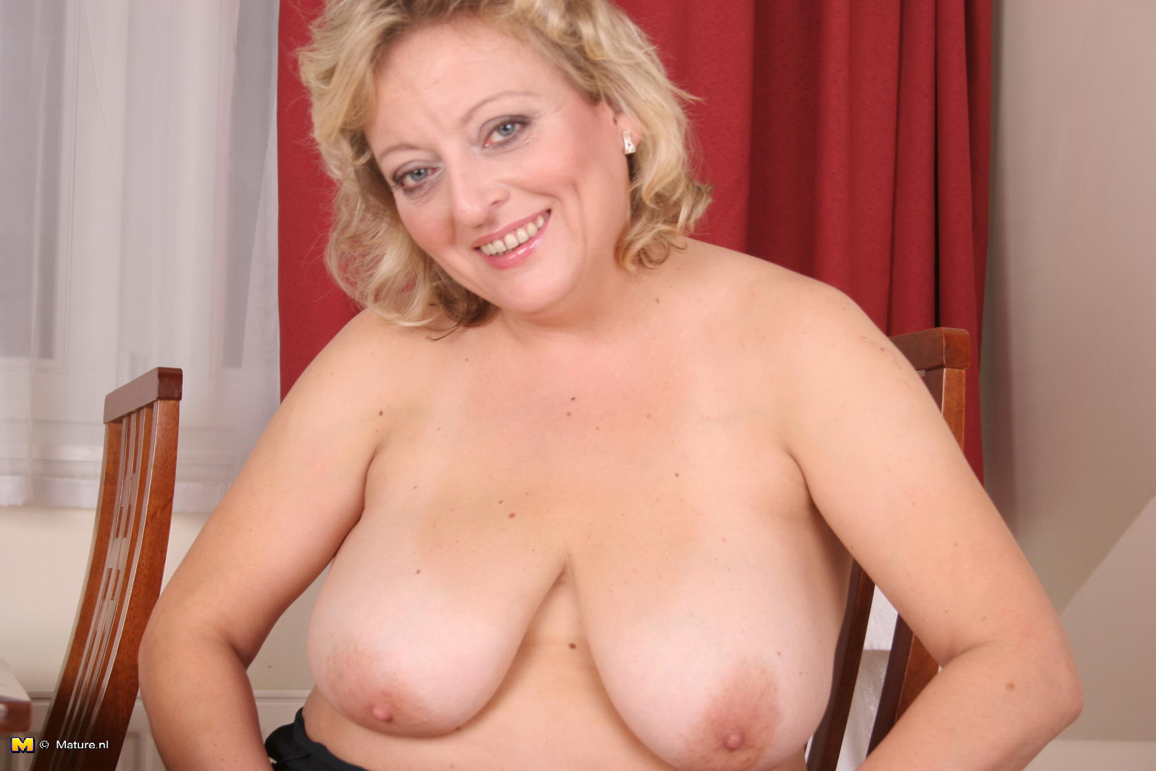 Alex Matures - Free Mature / Granny / MILF / Housewifes