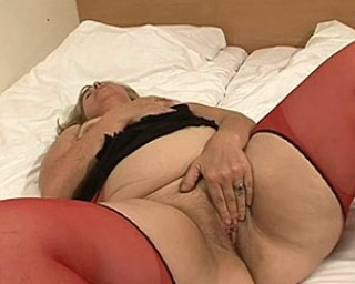 Mature-nl This full madam loves a hard throbbing cock