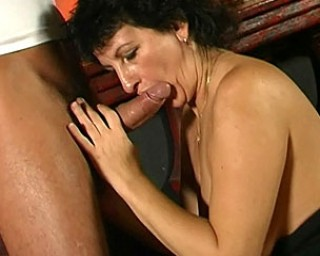 Hot mature slut eating dick and gettin stuffed