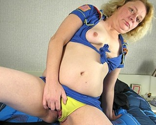This blonde mature slut does anything it takes to please herself