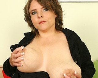 Omaseks Big titted housewife getting wet and nasty